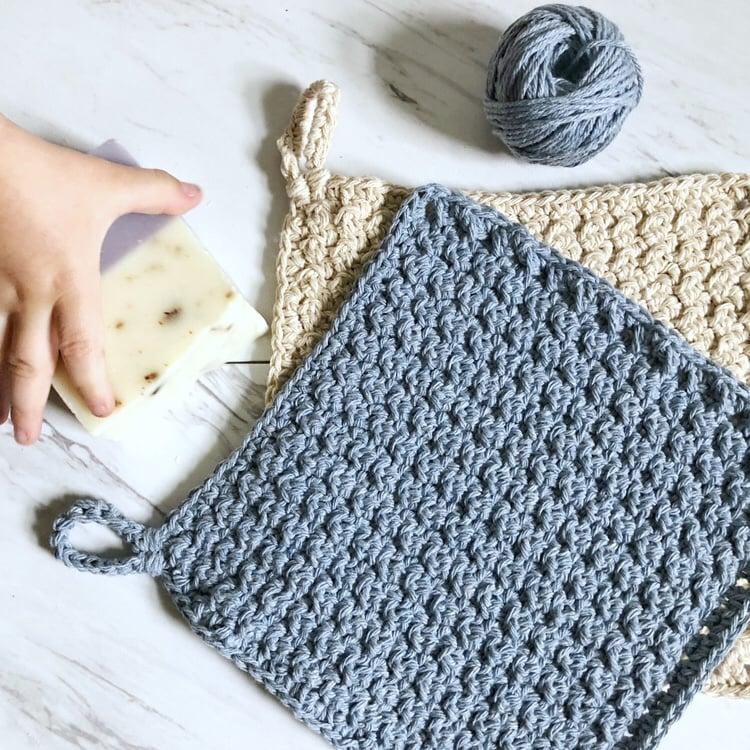 DIY crochet washcloth