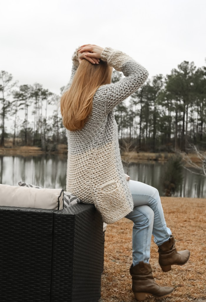 An easy crochet Cardigan with pockets!