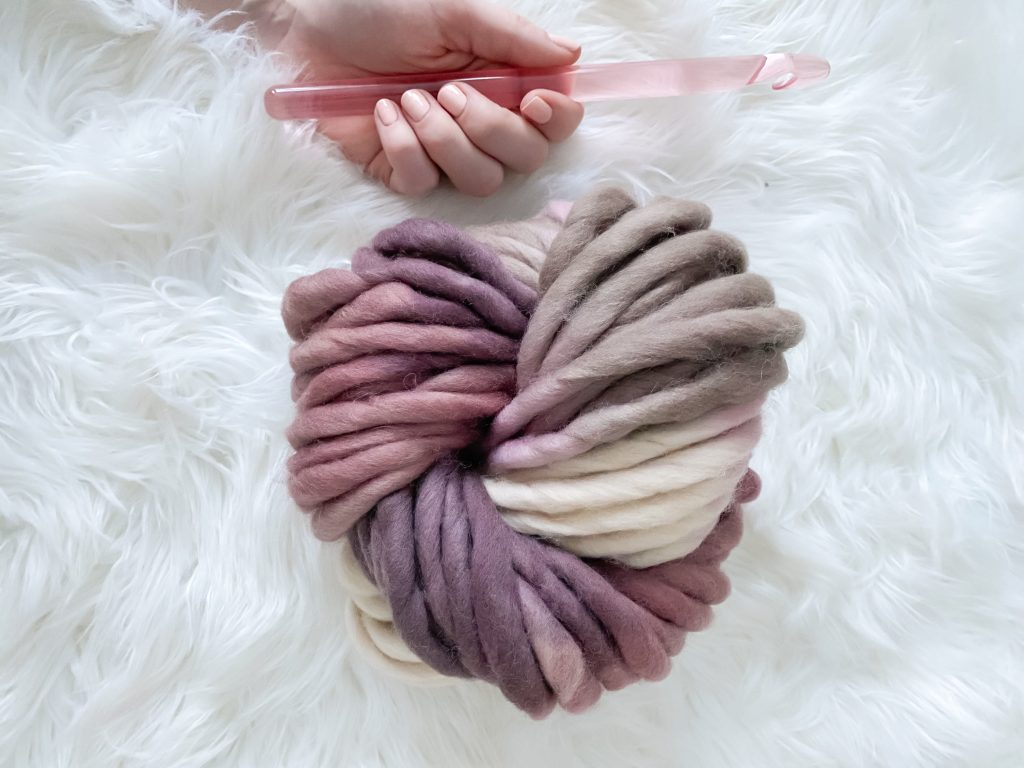 Jumbo yarn to make a sturdy crochet round basket!