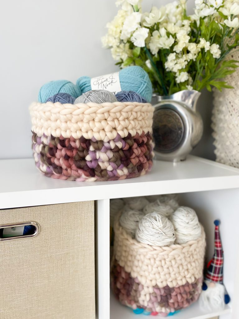 How to make a chunky single crochet basket using this free pattern!