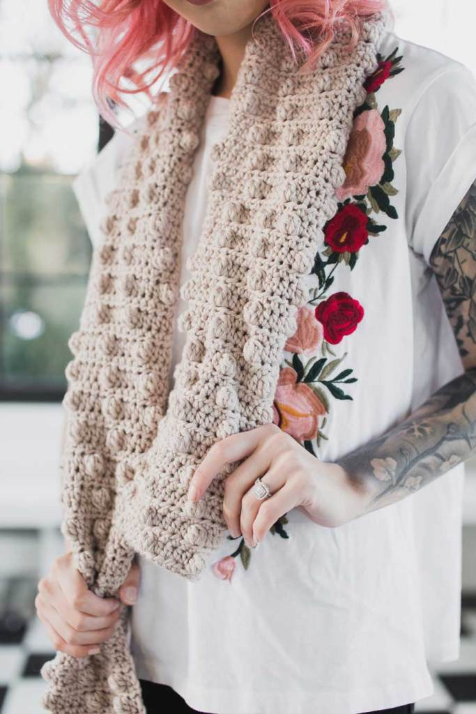 Crochet scarf pattern for beginners by The Hook Nook.